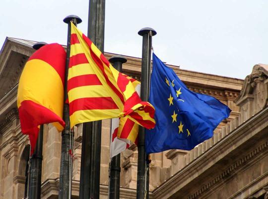 Spaanse, Catalaanse en Europese vlag